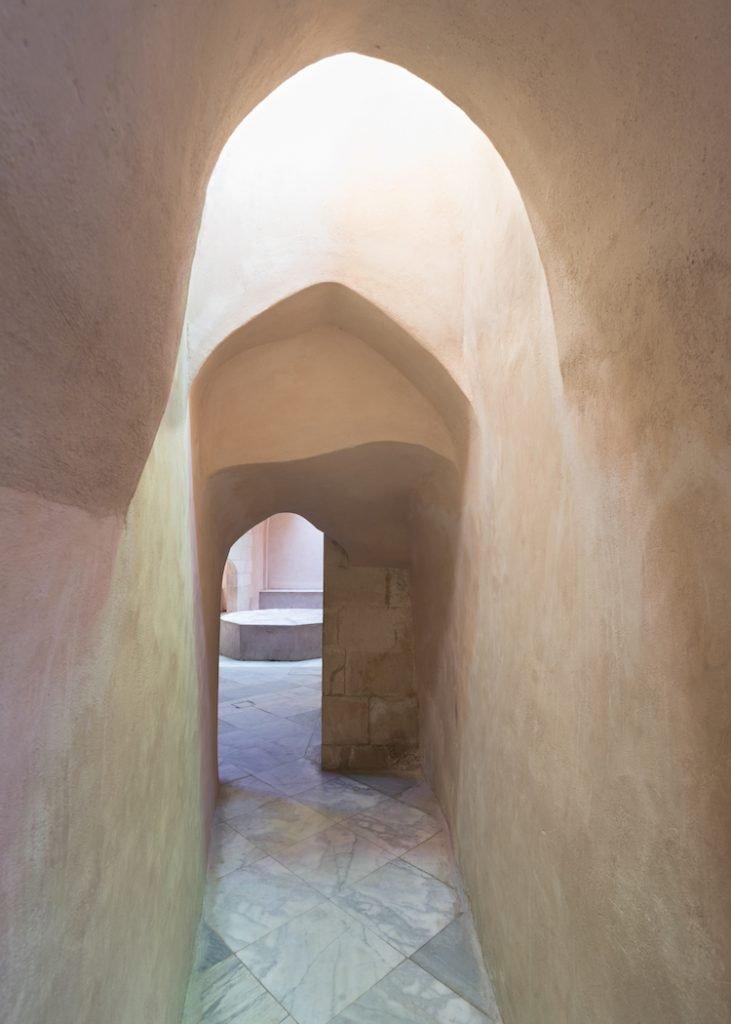 tadelakt wall in a hamam